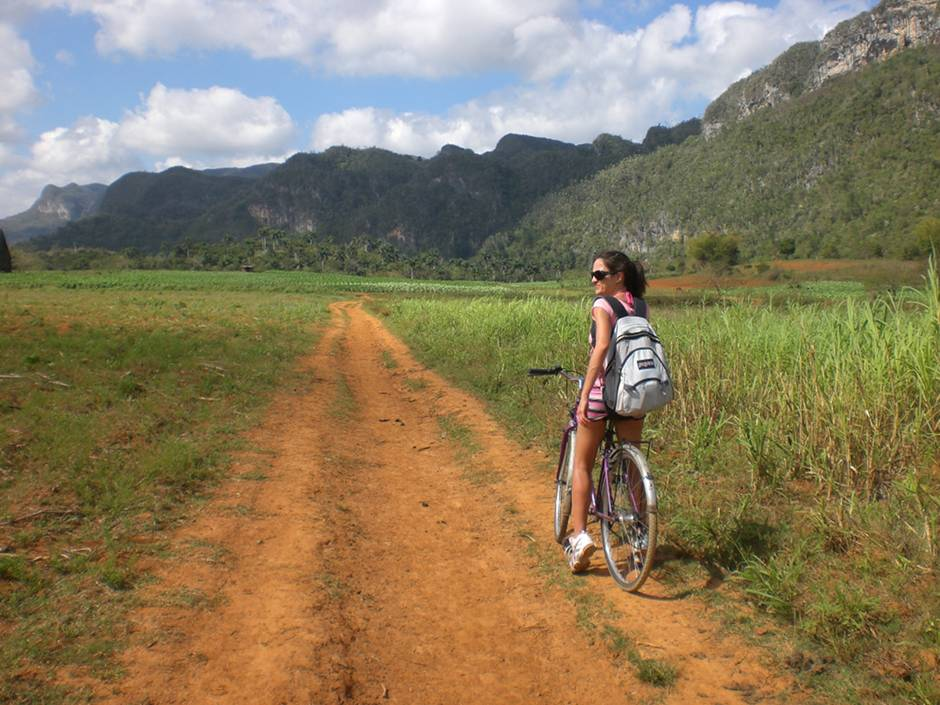 Things to go in Cuba: biking in Vinales
