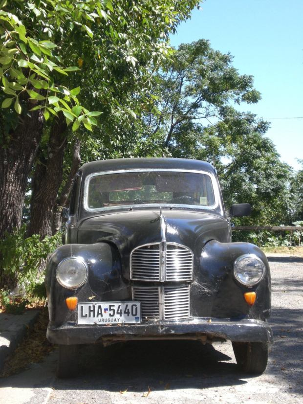 Travel to Uruguay - via a vintage car?