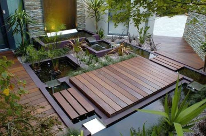 Small japanese garden design ideas with pond and wooden deck for Japanese decking garden