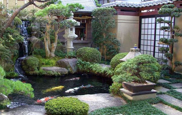 17 ideas for creating lovely small japanese garden for Small koi pond
