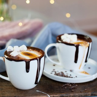 ORANGE HOT CHOCOLATE WITH MARSHMALLOW FLUFF RECIPE