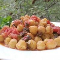 Нахут с домати на фурна