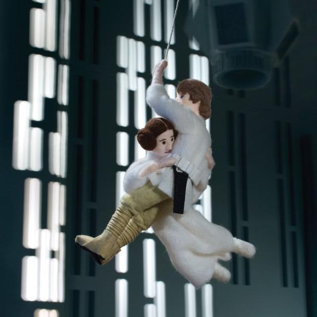 SW-Epic-Yarns_A-New-Hope_10_Swing-©-TM-Lucasfilm-Ltd.-640x640