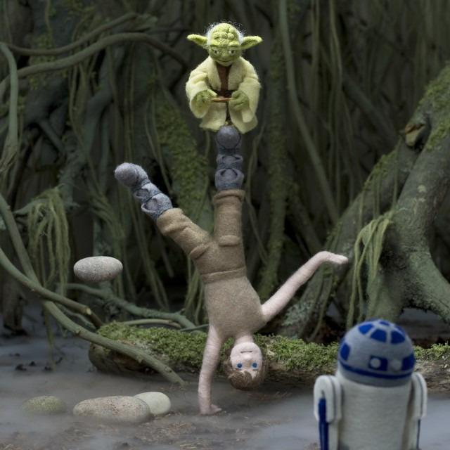 SW-Epic-Yarns_Empire-Strikes-Back_4_Force-©-TM-Lucasfilm-Ltd.-640x640