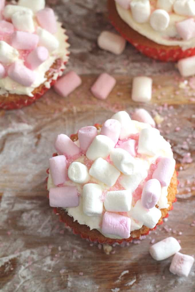 marshmallow cupcakes with a marshmallow fluff filling   www.myfussyeater.com