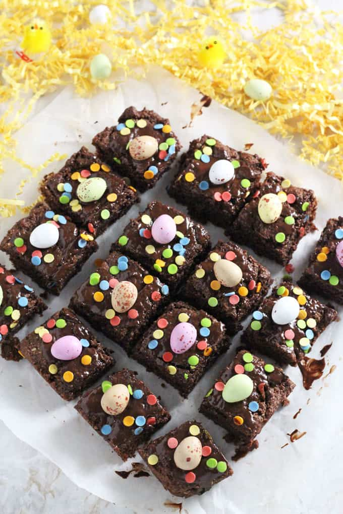 These delicious Mini Egg Brownies make a fun Easter dessert. They are flourless and made a little healthier by using coconut oil, ground almonds, coconut sugar and coconut flour.