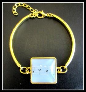 bracelet rues song