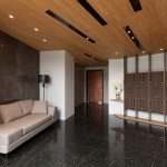 concentrated-residence-the-lobby-to-improve-low-ceiling-design-by-hozo-interior-design-03
