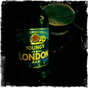 Young's Special London Ale - Wells & Young's (247)