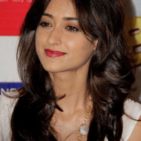Ileana D'Cruz Makeup And Dressing Style