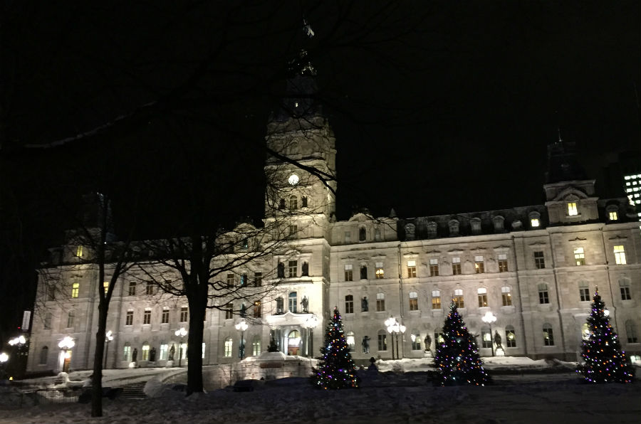 quebec-national-assembly-night-time