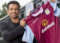 Kieran-Richardson signs aston villa