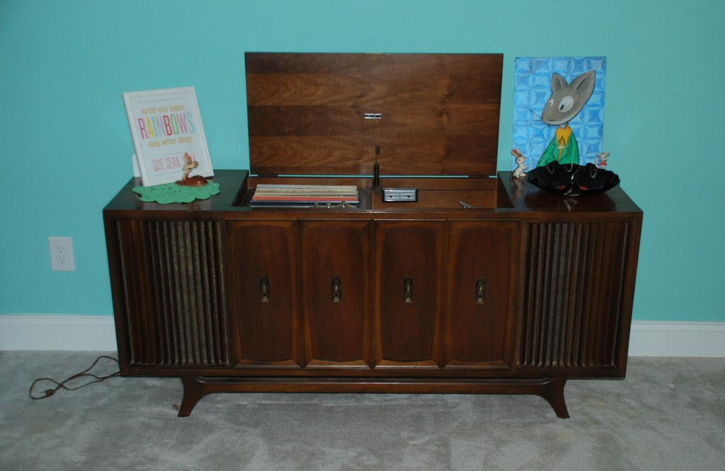 This ... - Vintage Zenith Record Player And Record Bowl DIY - My So Called