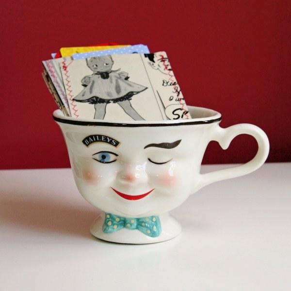 Diy vintage vinyl card holders my so called crafty life diy vintage vinyl card holders reheart Gallery
