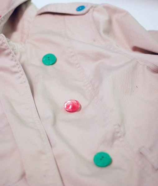 add vintage buttons