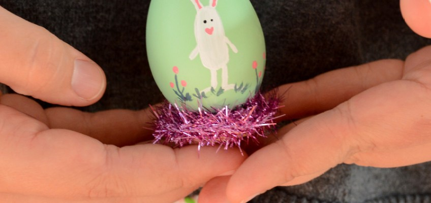 Vintage Crafts- Painted Easter Eggs