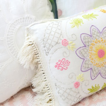 DIY Vintage Table Runner Pillow
