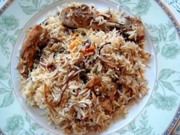 chicken biryani, chicken dum biryani, hyderabad chicken biryani, hyderabadi chicken dum biryani