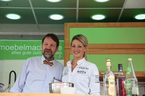 Steffi Kneißl, Andrea Schirmaier, 2 Miss Franken und Lizzy Aumeier im Kochtalk bei den Möbelmacher auf der fem – Consumenta 2014