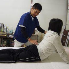 マッケンジー法〜個々にあわせた運動療法を処方します。