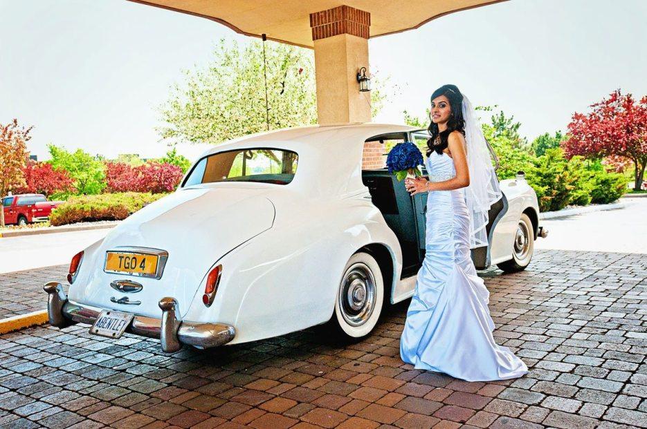 1952-Bentley-indian-canadian-wedding-photography-naina-01.jpg