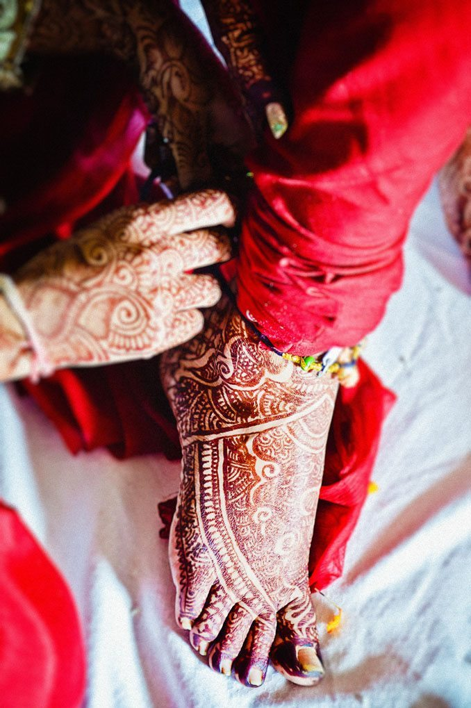 Kshitija-Chuda-Ceremony-Indian-Wedding-Photographer-Naina-Knottytales-07.jpg