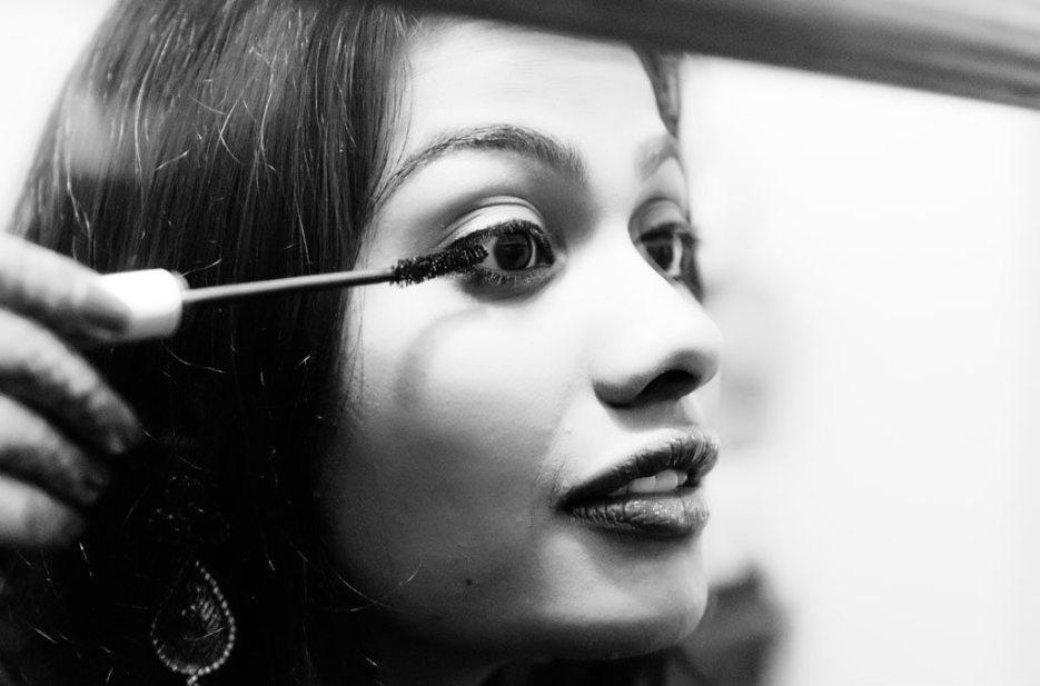Indian wedding photographer : photography by Naina and Knottytales | Anuradha : Mehendi, Haldi, Pradhanam