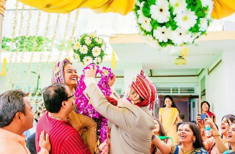 Anuradha-Vaibhav-Indian-Wedding-Photography-Knottytales-Naina-19.jpg