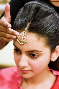 Lakme-Salon-Knottytales-Beautiful-Brides-Nikah-Naina-06.jpg
