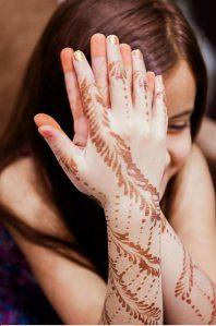 Lakme-Salon-Knottytales-Beautiful-Brides-Nikah-Naina-09.jpg