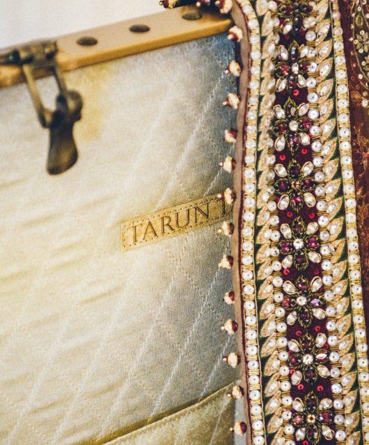 Tarun-Tahiliani-Bridal-Couture-Wedding-Wear-Fashion-Designer-Photographer-Naina-Knottytales-01.jpg