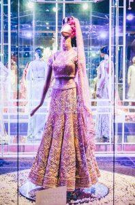 Tarun-Tahiliani-Bridal-Couture-Wedding-Wear-Fashion-Designer-Photographer-Naina-Knottytales-08.jpg