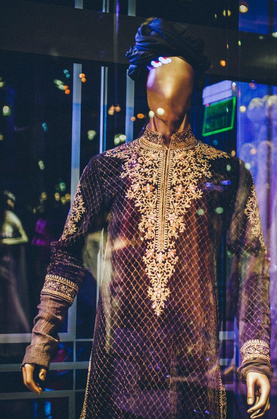 Tarun-Tahiliani-Bridal-Couture-Wedding-Wear-Fashion-Designer-Photographer-Naina-Knottytales-37.jpg