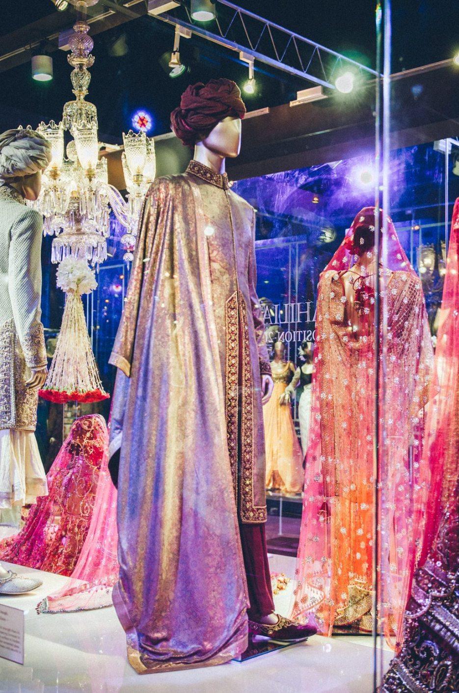 Tarun-Tahiliani-Bridal-Couture-Wedding-Wear-Fashion-Designer-Photographer-Naina-Knottytales-39.jpg