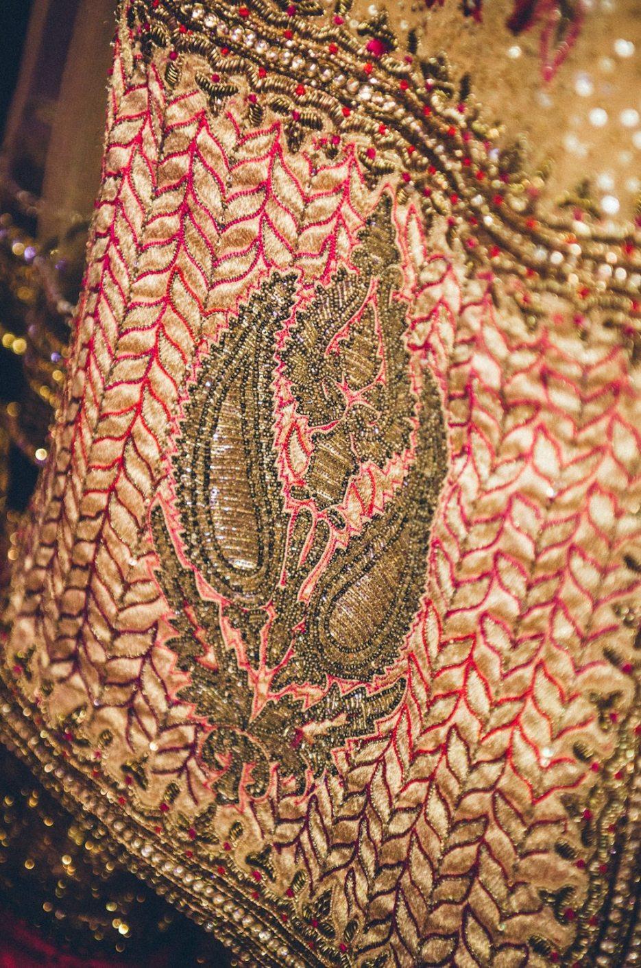 Tarun-Tahiliani-Bridal-Couture-Wedding-Wear-Fashion-Designer-Photographer-Naina-Knottytales-49.jpg