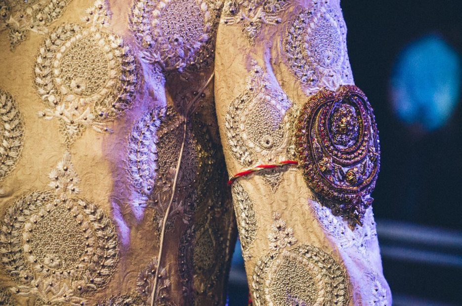 Tarun-Tahiliani-Bridal-Couture-Wedding-Wear-Fashion-Designer-Photographer-Naina-Knottytales-56.jpg