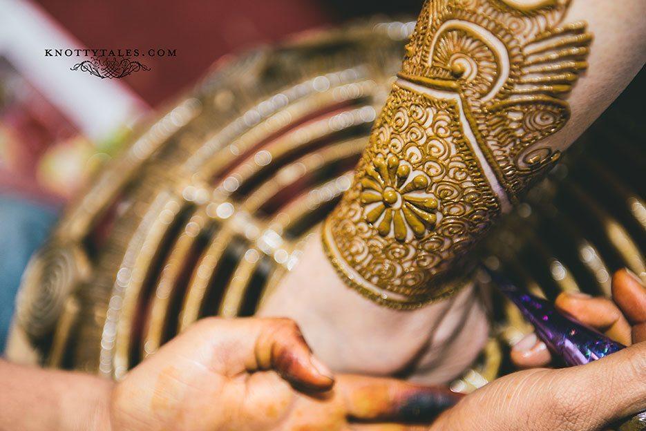 Indian wedding photographer : photography by Naina and Knottytales   Gursimran and Sheleja: Chunni and Mehendi Ceremony, Gurgaon