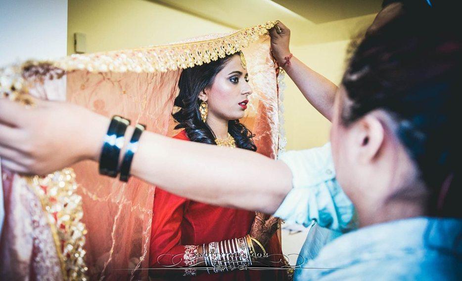 Jeevan-Saify-Wedding-Photography-Bride-Getting-Ready-Make-up-Lehenga-Knottytales-Naina.co-Lifestyle-Luxury-23.jpg