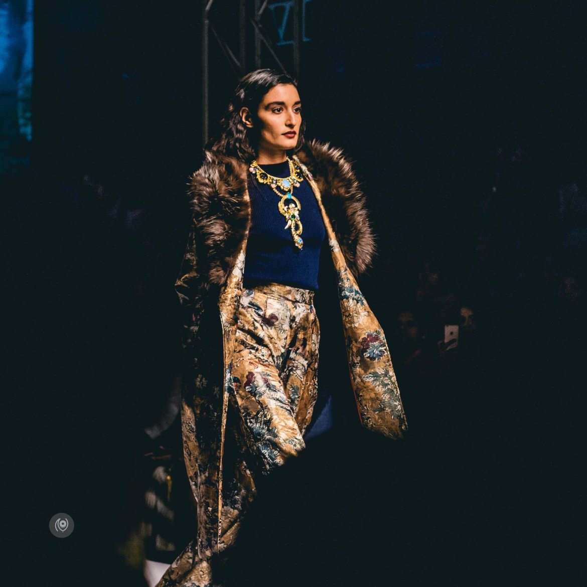 #CoverUp 65, #AIFWAW16, Amazon India Fashion Week Autumn Winter 2016, Varun Bahl, Hemant Nandita, Pushpak Vimaan, Crazy Palette, Naina.co, Naina Redhu, Luxury Photographer, Lifestyle Photographer, Luxury Blogger, Lifestyle Blogger, Experience Collector, Personal Style, #MadeInIndia, #CoverUp
