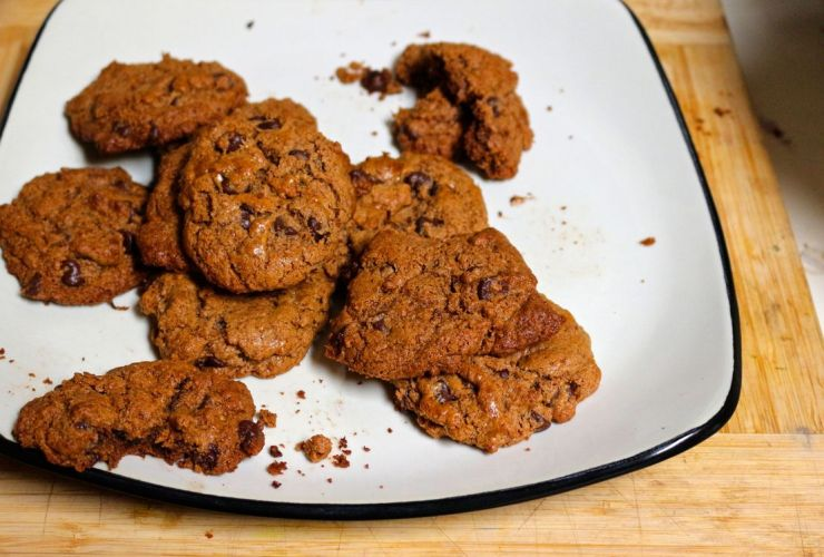 The best gooey paleo chocolate chip cookies