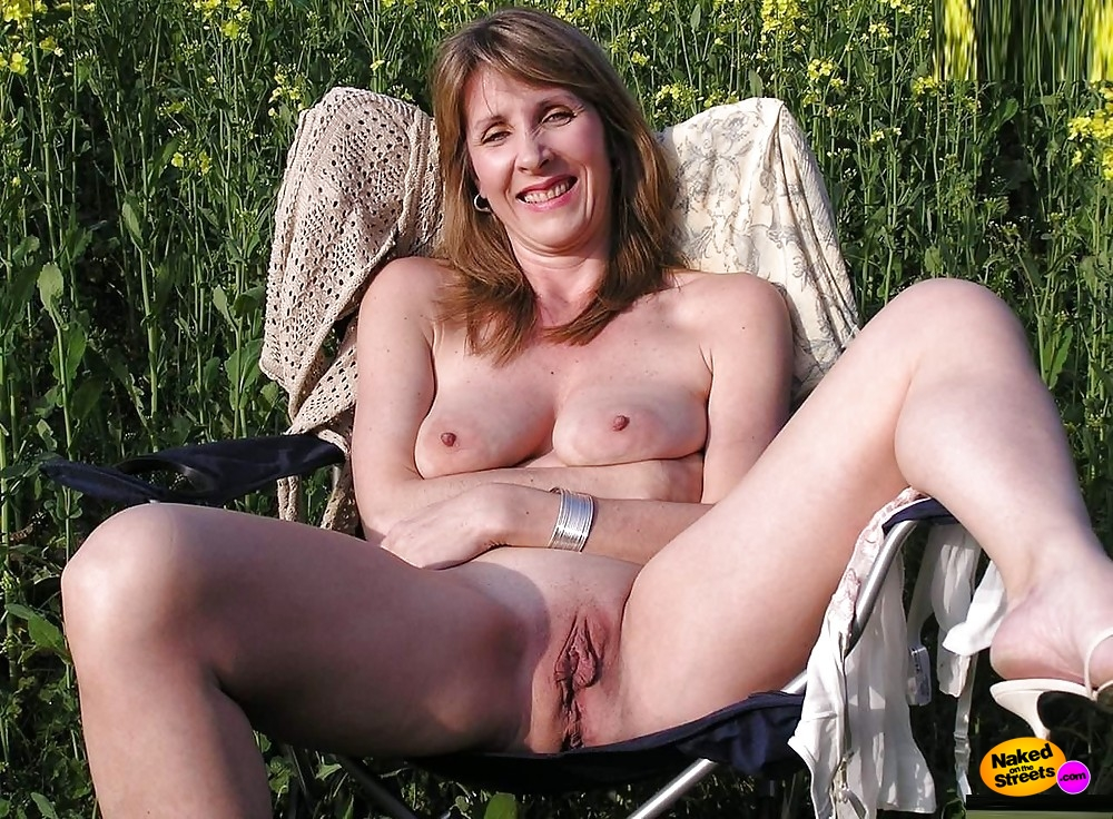 mature women flashing woods porn caption