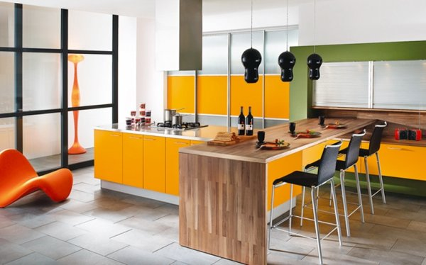 apelsino spalvos virtuvė