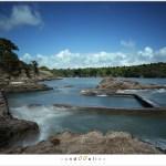 De beweging van het water bij het opkomende tij