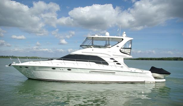 48_sea_ray_naples_yacht_charter