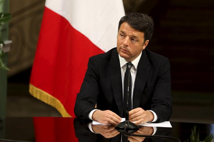Matteo Renzi in Campania il 12 settembre 2016