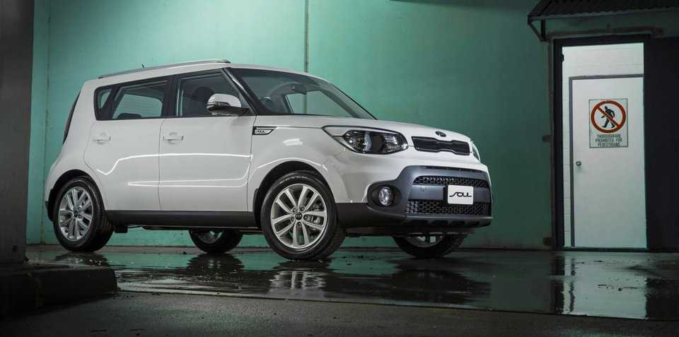 2017 kia soul priced at 24 990 specs and trimlines detailed. Black Bedroom Furniture Sets. Home Design Ideas