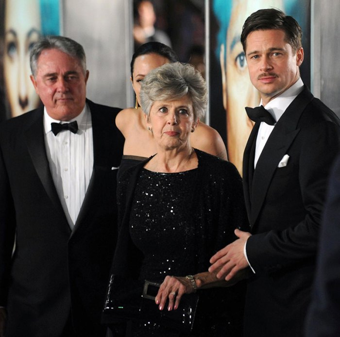 BRAD PITT AND PARENTS AT PREMIERE