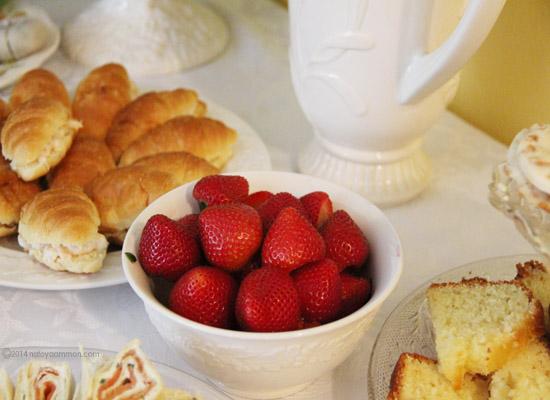 Tea Party Strawberries 550x400