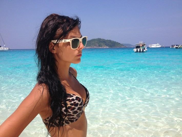 barca-a-vela-occhiali-da-sole