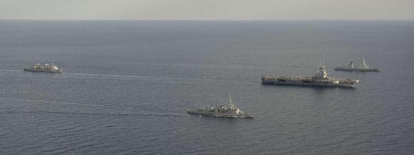 Charles de Gaulle e demais navios da missão Bois Belleau - foto Marinha Francesa
